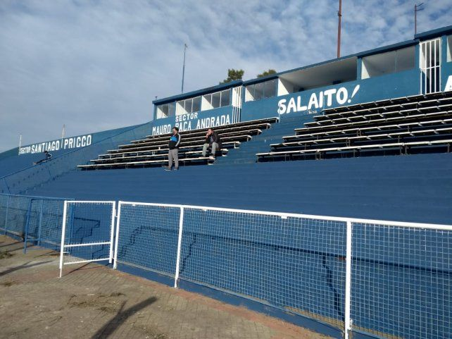 El salaíto es una pinturita. El estadio José Martín Olaeta luce  de la mejor manera después del gran trabajo que realizó la agrupación 1912 en las instalaciones.