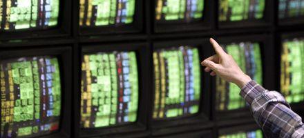 La presión de Bush por revivir el rescate empuja a los mercados hacia arriba