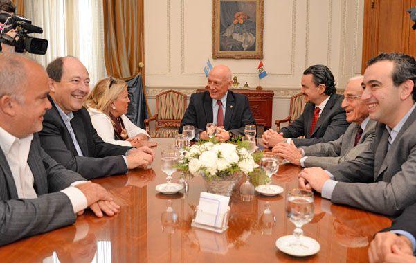 El gobernador compartió la mañana con los dirigentes del FAU.
