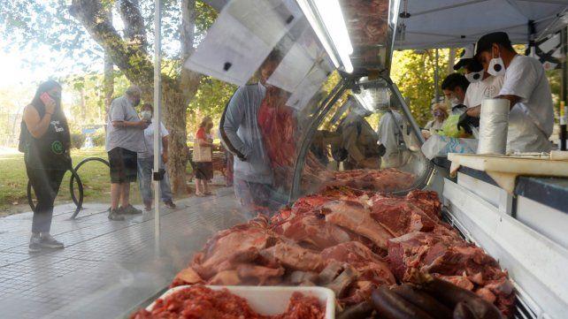 Carniceros rechazan a la feria itinerante del gobierno por considerarla competencia desleal