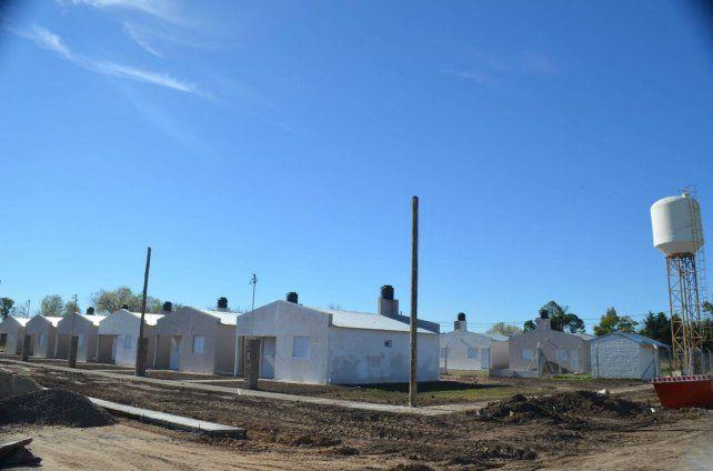 El barrio. La construcción de las 12 viviendas entró en la recta final.