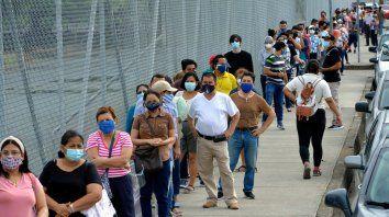 Más de 13 millones de personas están habilitadas en Ecuador para votar en las elecciones que definen el futuro de ese país entre una derecha conservadora y una izquierda vinculada al expresidente Rafael Correa.
