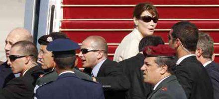Confusión por el suicidio de un soldado israelí durante la despedida de Sarkozy