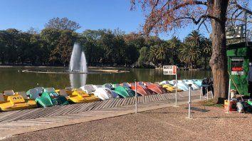 La cooperativa que tiene la concesión de los paseos en bicicletas acuáticas y botes sufrió robos y daños este último fin de semana.