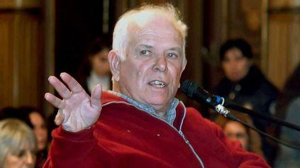 El 18 de septiembre de 2006, un día antes que fuera leída la sentencia al represor Miguel Etchecolatz, desapareció Julio López, principal testigo de la causa.