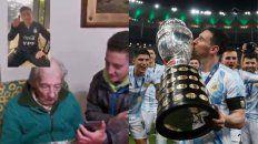 Messi sorprendió al abuelo de cien años que anotaba sus goles en un cuaderno