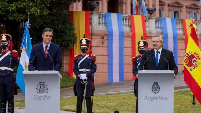 El presidente español está a favor de que se acepte la vacuna Sputnik V para ingresar en la UE