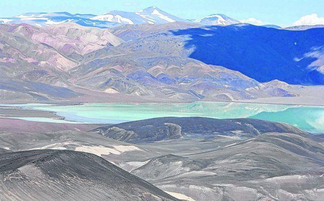 Postales para el alma. Una maravillosa vista de las montañas y lagos que ofrece la provincia de Catamarca.