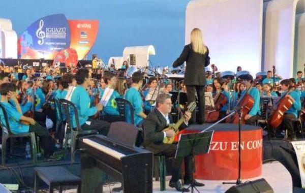 La belleza natural argentina recibió la distinción y lo celebró con un concierto dirigido por Santaolalla.