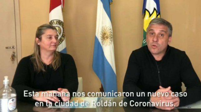 El intendente Pedretti junto a la secretaria de SaludTrevissón anunciaron el nuevo caso de coronavirus. (Imagen de video de Instagram).