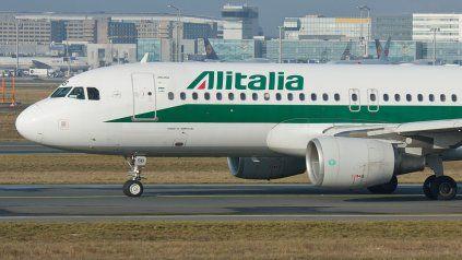Alitalia no reprogramará sus vuelos desde Argentina y devolverá el importe en pesos