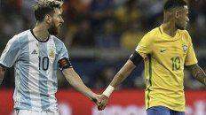 Juntos a la par. Messi y Neymar son amigos y compartieron muchos buenos momentos en Barcelona.
