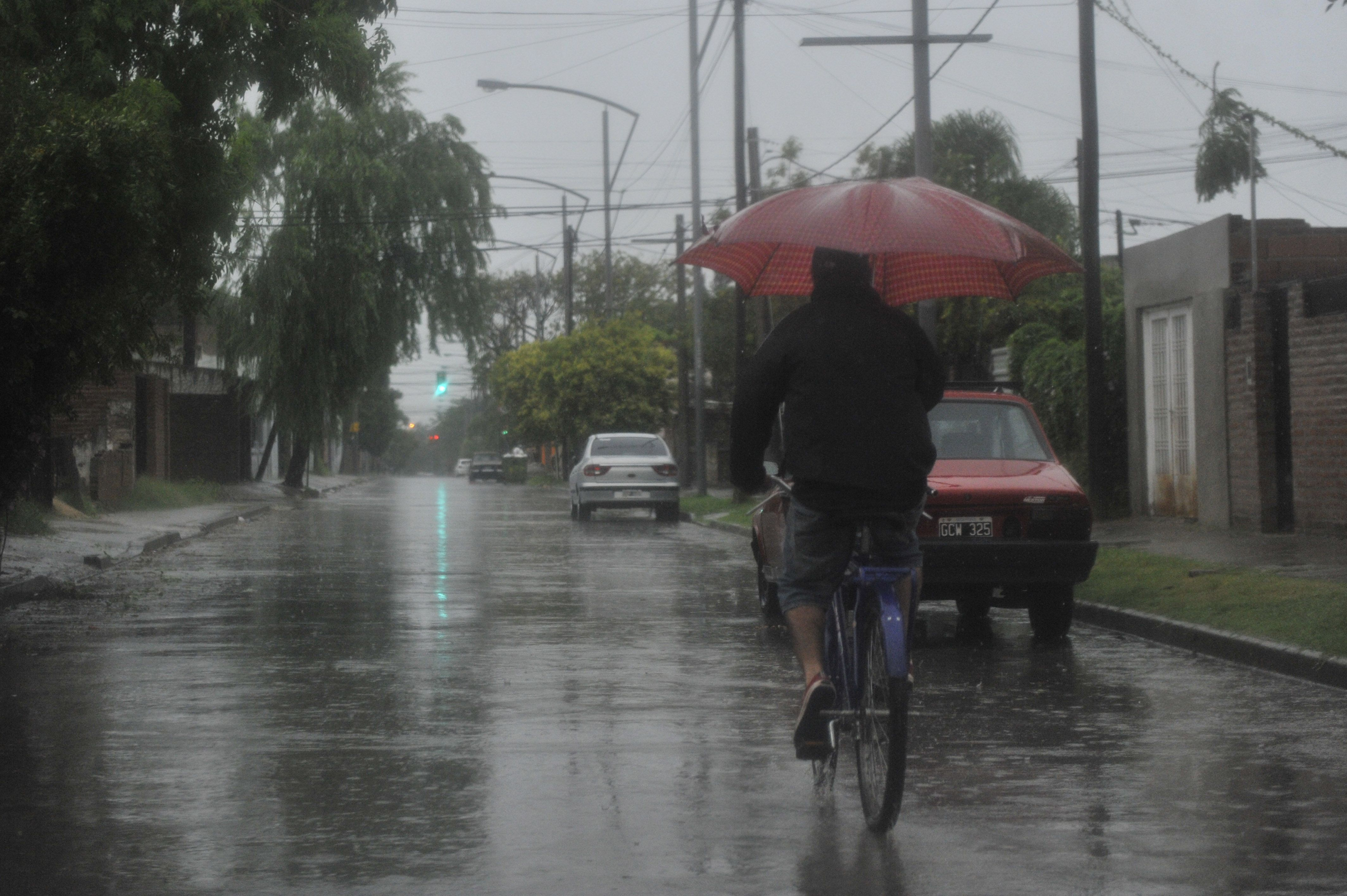 Rosario enfrenta una mañana inestable con lluvias intermitentes. (Foto La Capital/V. Benedetto)
