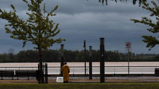 Alerta por tormentas fuertes con intensa actividad eléctrica para Rosario y la región