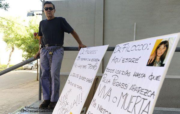 El padre de Paula Perassi en diciembre de 2011