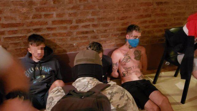 Los jóvenes fueron detenidos en una casa ubicada en Galicia al 600, en barrio La Florida.