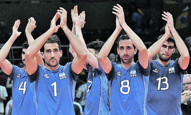 Felicidad albiceleste. Los jugadores argentinos celebran la clasificación.