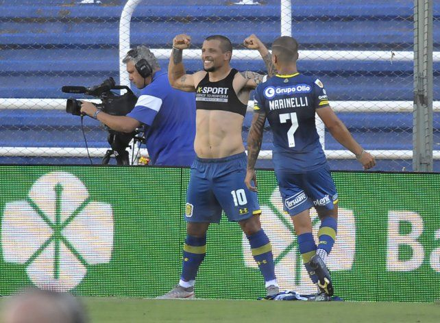 Vecchio, de penal, marcó el segundo de Central.