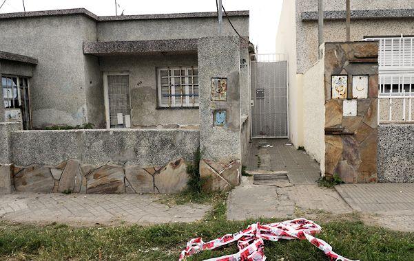 El lugar. En el ingreso al pasillo de Medrano 1159 quedó tendido el cuerpo de Lautaro Cravija