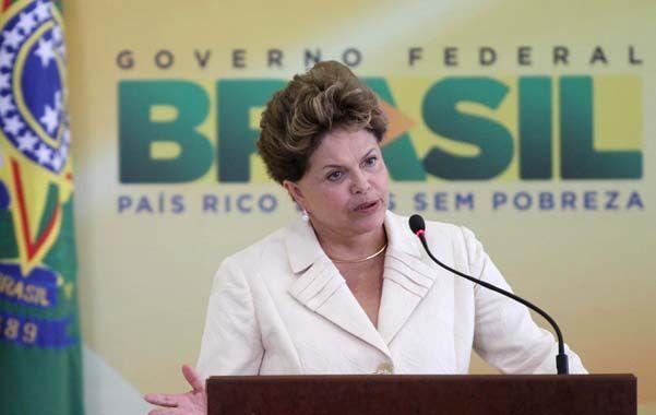 Gentilezas. Dilma visitará la Argentina. Cristina ya estuvo en Brasil.