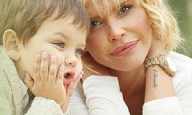 La tapa de la revista Gente encuentra a Nazarena Vélez y a su hijo Thiago en una cálida imagen.
