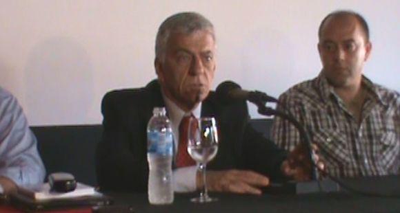 El presidente de Newells aseguró que no es en absoluto el momento del Tata Martino