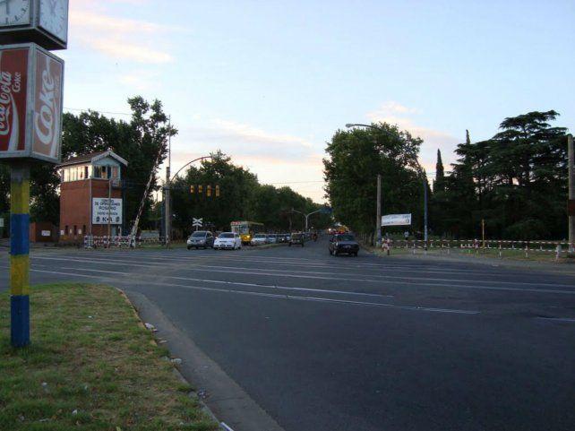Aseguran que la banda de delincuentes opera en los alrededores de el cruce Alberdi y barrios linderos.