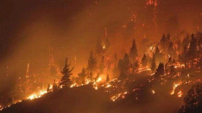 Declaran el estado de desastre ígneo por los incendios en la Patagonia