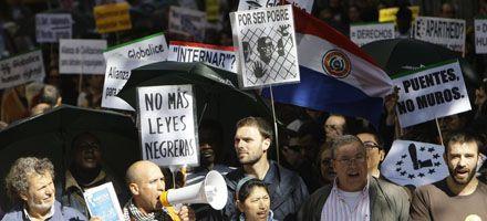 España da luz verde a una ley que endurece las políticas de inmigración