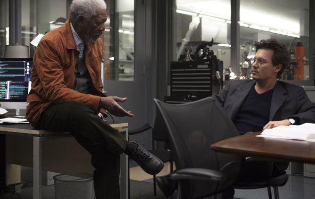 Drama y misterio. Johnny Depp junto a Morgan Freeman protagonizan Transcendence: Identidad virtual.