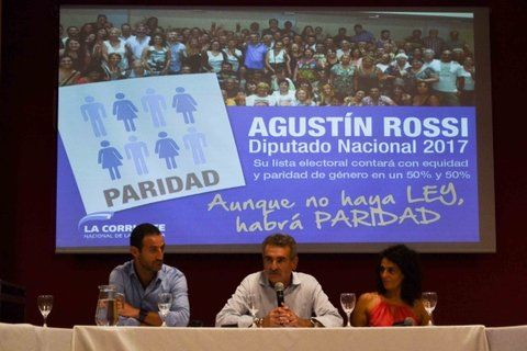 Igualdad. Rossi hizo el anuncio junto a Sukerman y Norma López.