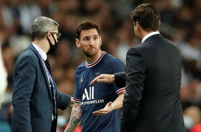 Que Pochettino haya cambiado a Messi tampoco le gustó a los dueños de PSG