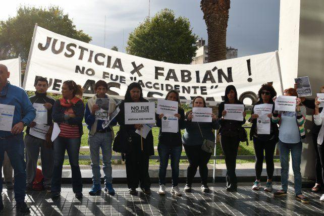 Una protesta durante la realización de una audiencia imputativa.