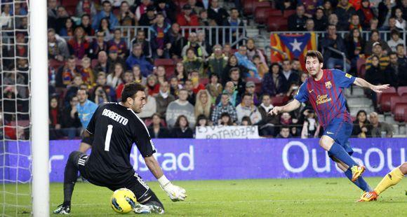 Messi superó el cansancio y metió el segundo para la goleada de Barcelona a Zaragoza